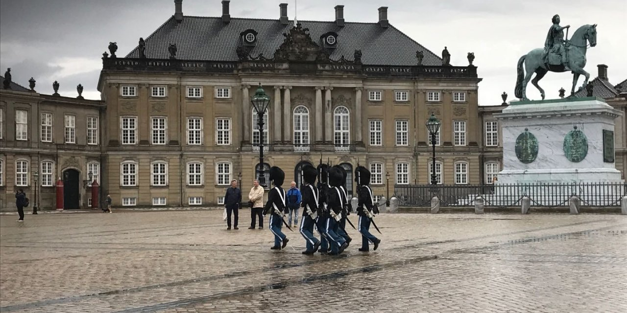 Inspiration to a tour to the  3 Nordic Royal Capitals
