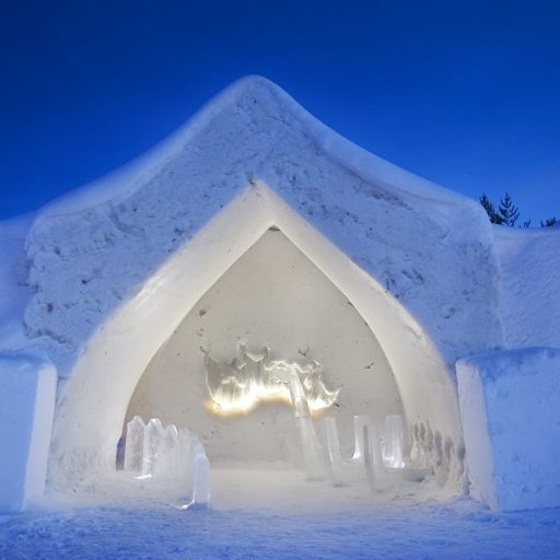 Arctic Snow Hotel & Glass Igloos